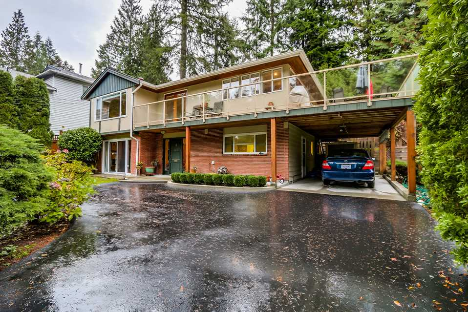 Photo 2: 1520 EDGEWATER Lane in North Vancouver: Seymour House for sale : MLS(r) # R2014059