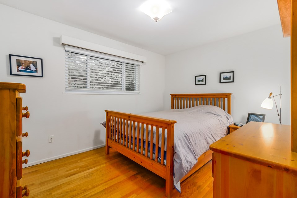 Photo 11: 1520 EDGEWATER Lane in North Vancouver: Seymour House for sale : MLS(r) # R2014059