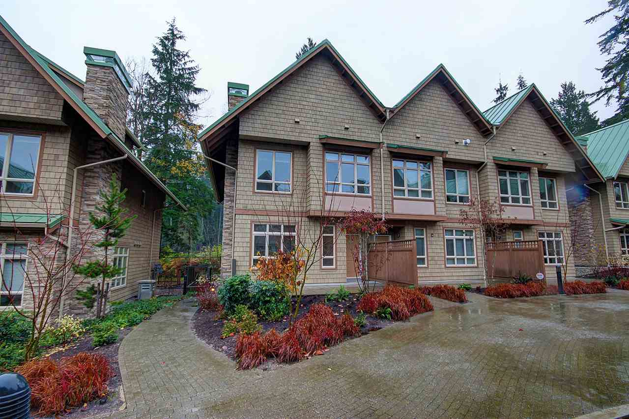 "Main Photo: 3354 MT SEYMOUR Parkway in North Vancouver: Northlands Townhouse for sale in ""NORTHLANDS TERRACE"" : MLS®# R2015417"