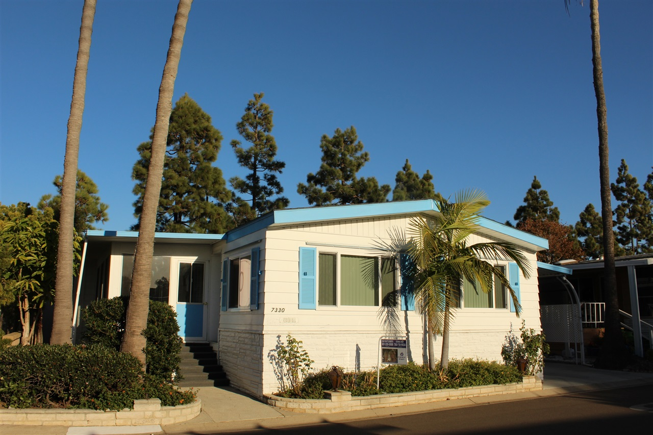 Main Photo: CARLSBAD WEST Manufactured Home for sale : 2 bedrooms : 7330 San Bartolo in Carlsbad