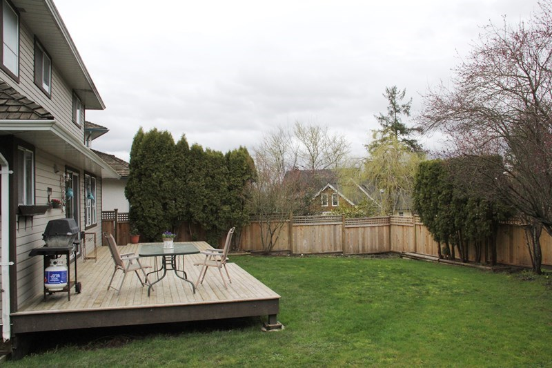 "Photo 14: 4746 215B Street in Langley: Murrayville House for sale in ""Macklin Corners"" : MLS(r) # R2040814"