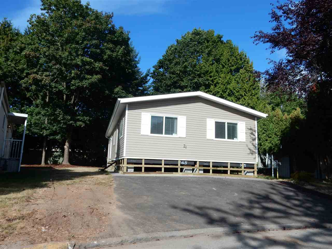 "Main Photo: 56 7790 KING GEORGE Boulevard in Surrey: East Newton Manufactured Home for sale in ""Crispen Bays"" : MLS®# R2102915"