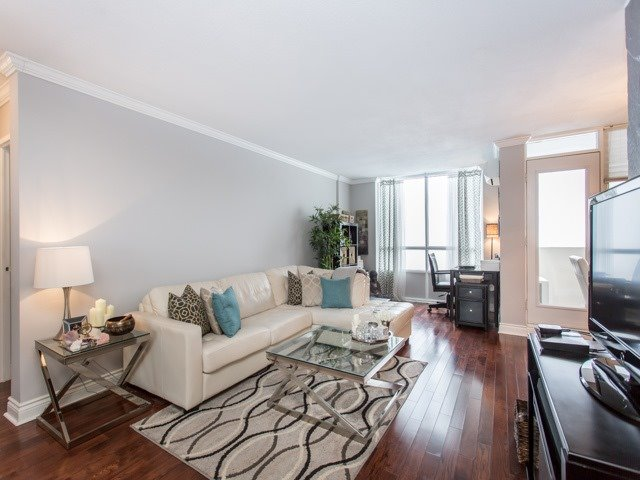 Main Photo: 2604 40 Homewood Avenue in Toronto: Cabbagetown-South St. James Town Condo for sale (Toronto C08)  : MLS®# C3705417