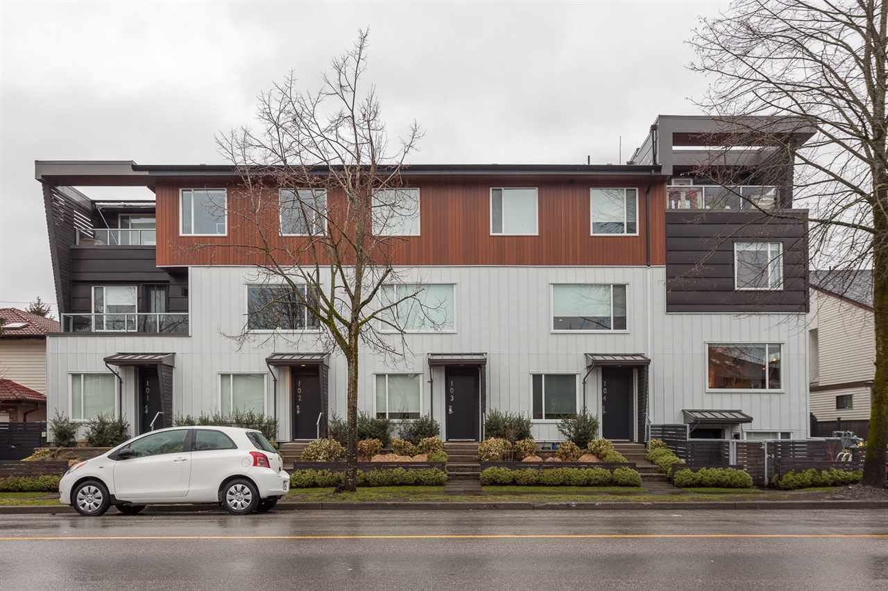 "Main Photo: 106 453 E 16TH Avenue in Vancouver: Mount Pleasant VE Townhouse for sale in ""Skala"" (Vancouver East)  : MLS(r) # R2139017"