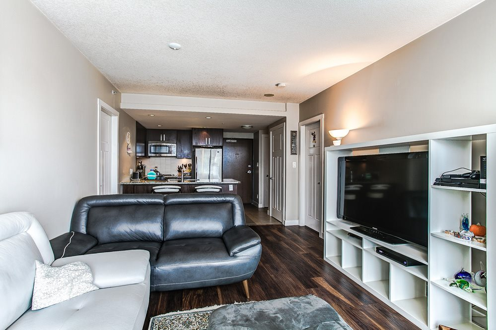"Photo 3: 3004 2978 GLEN Drive in Coquitlam: North Coquitlam Condo for sale in ""GRAND CENTRAL"" : MLS(r) # R2166463"