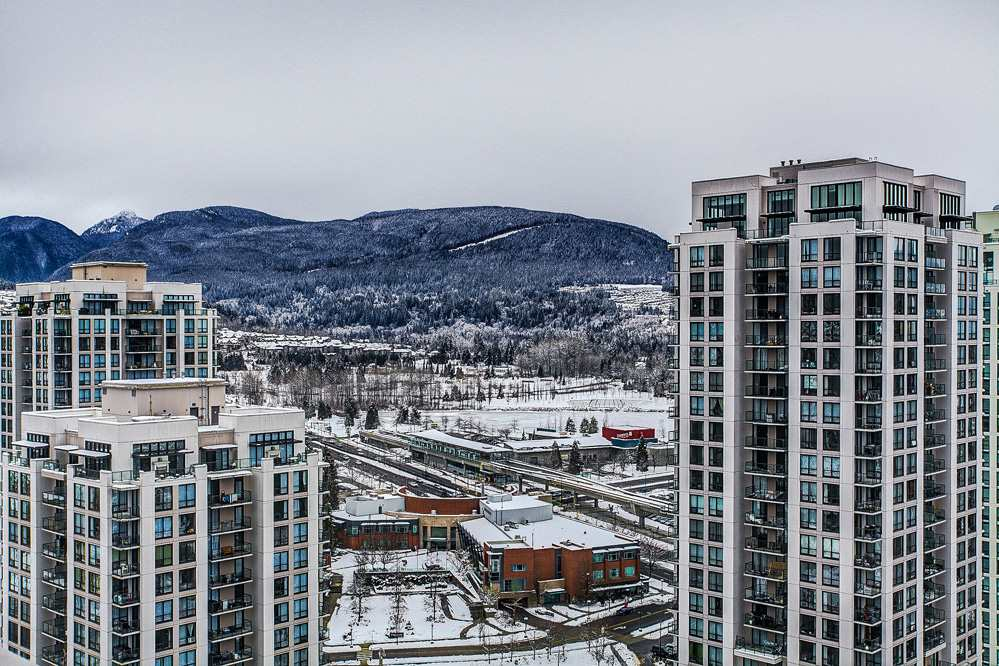 "Main Photo: 3004 2978 GLEN Drive in Coquitlam: North Coquitlam Condo for sale in ""GRAND CENTRAL"" : MLS(r) # R2166463"