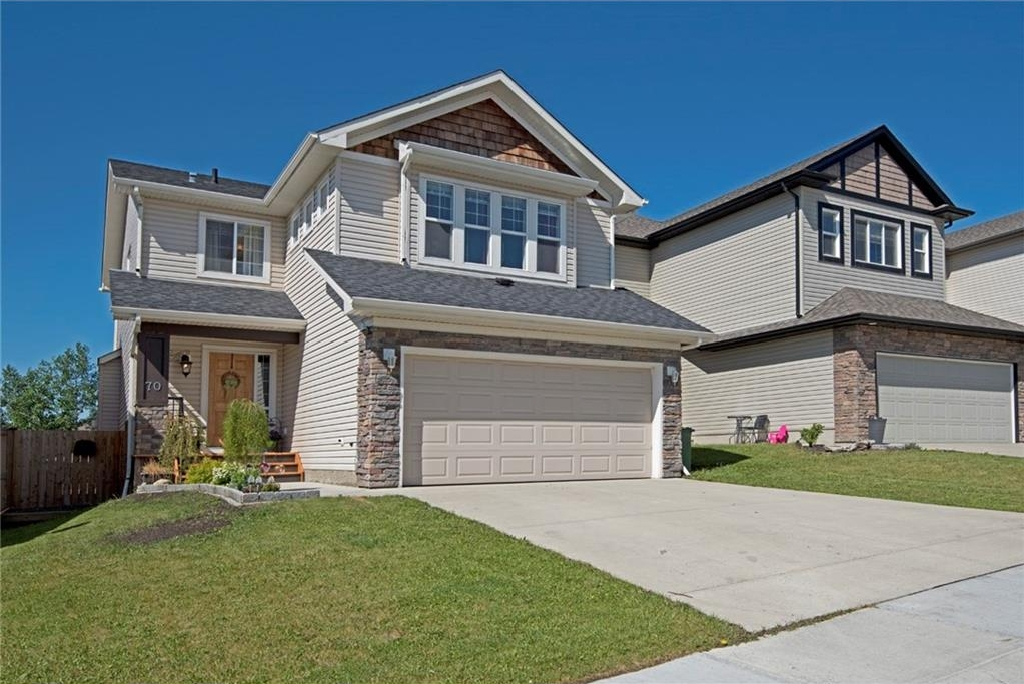 Main Photo: 70 WESTMOUNT Circle: Okotoks House for sale : MLS(r) # C4122222