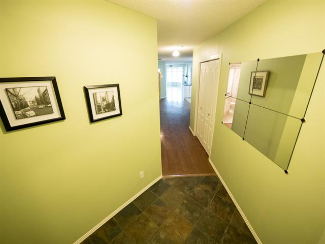 Photo 3: #202 9640 105 ST NW in Edmonton: Zone 12 Condo for sale : MLS(r) # E4055501