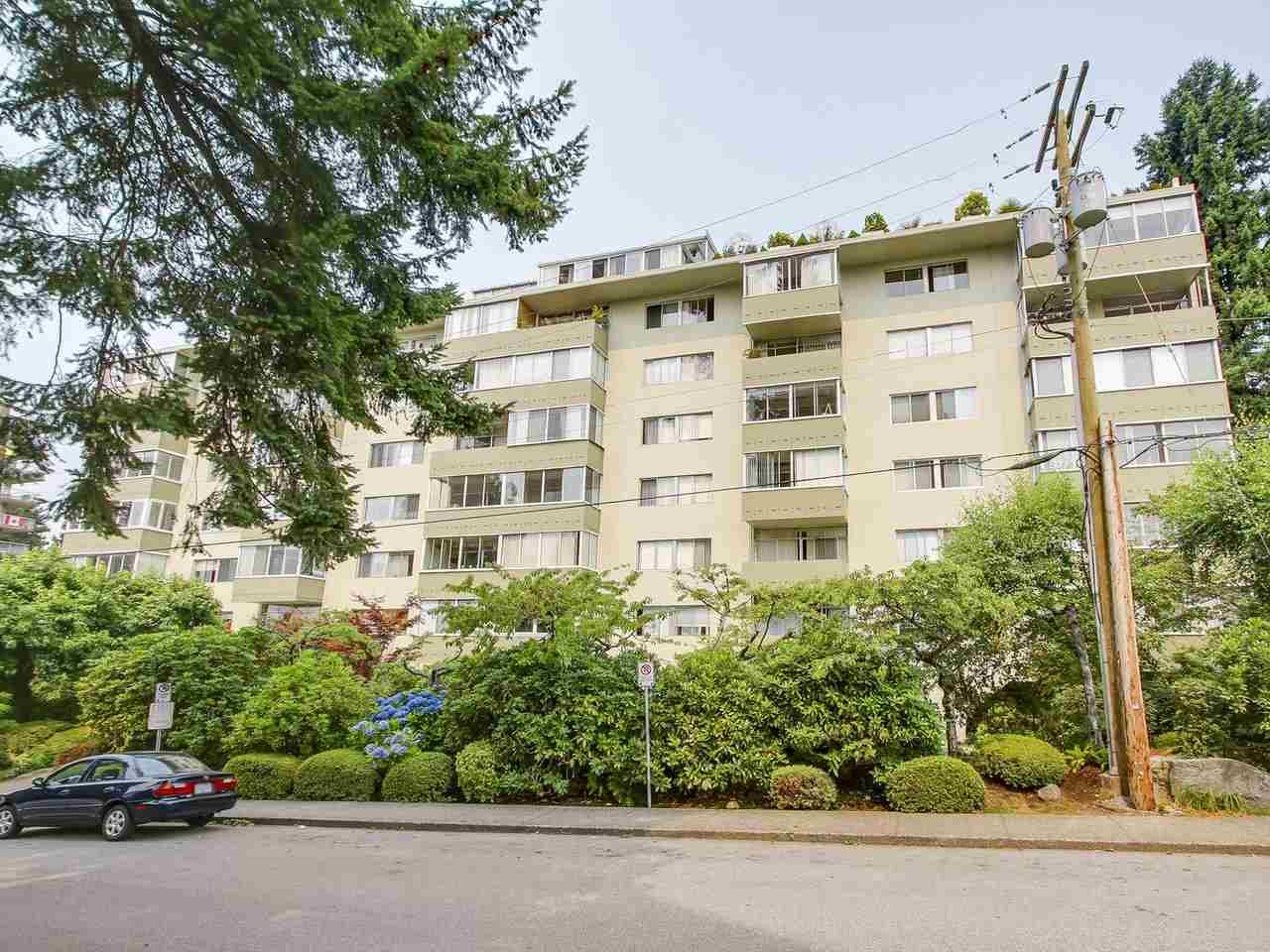 Main Photo: 606 1425 ESQUIMALT AVENUE in West Vancouver: Ambleside Condo for sale : MLS®# R2194722