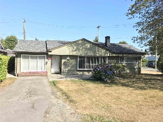"Main Photo: 1326 COTTONWOOD Crescent in North Vancouver: Norgate House for sale in ""Norgate"" : MLS® # R2199125"