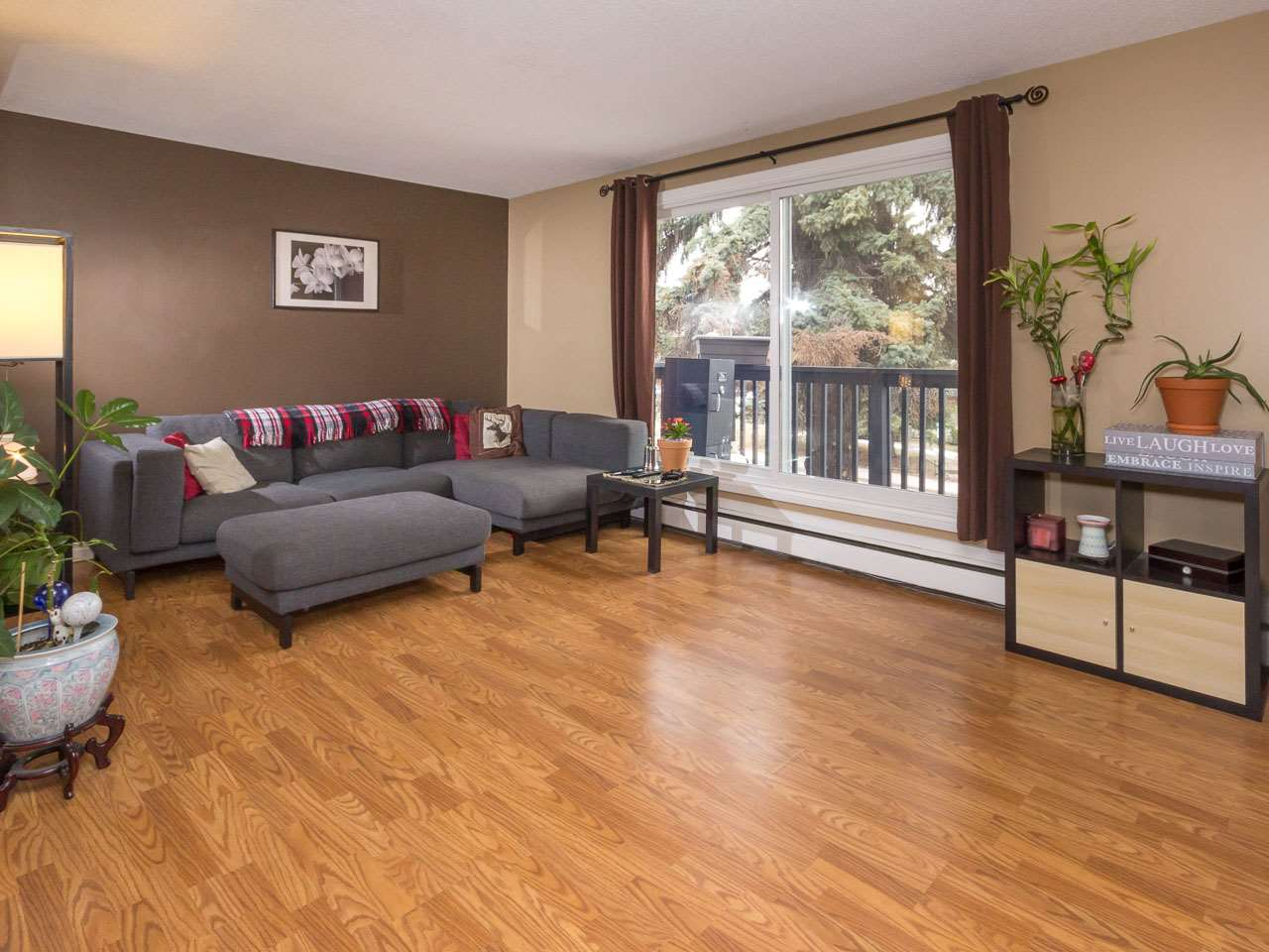 Main Photo: 307 6307 118 Avenue in Edmonton: Zone 09 Condo for sale : MLS® # E4079861