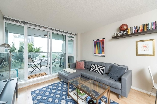 Main Photo: 402 2770 SOPHIA STREET in Vancouver: Mount Pleasant VE Condo for sale (Vancouver East)  : MLS® # R2205207
