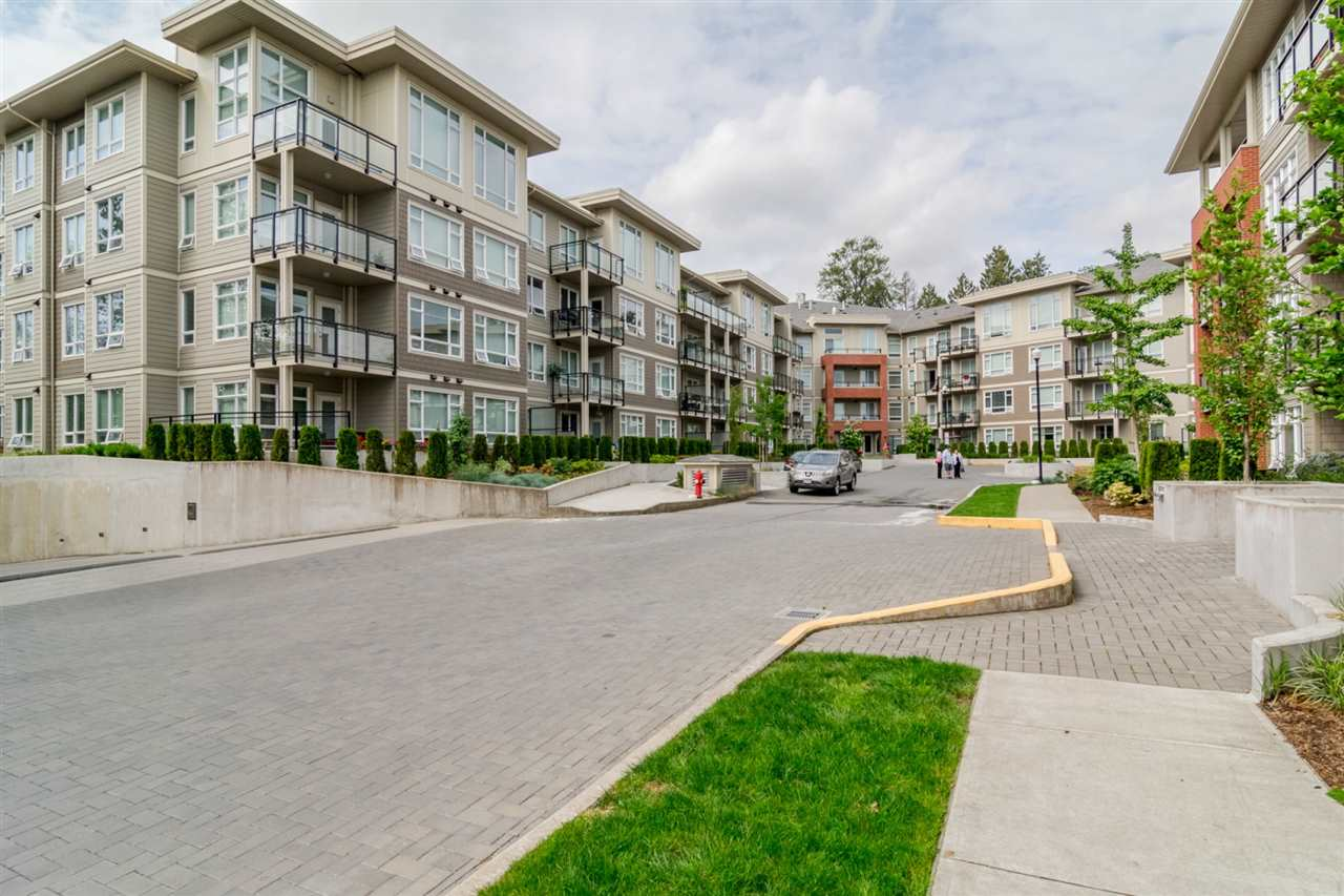 "Main Photo: C122 20211 66TH Avenue in Langley: Willoughby Heights Condo for sale in ""Elements"" : MLS® # R2209161"