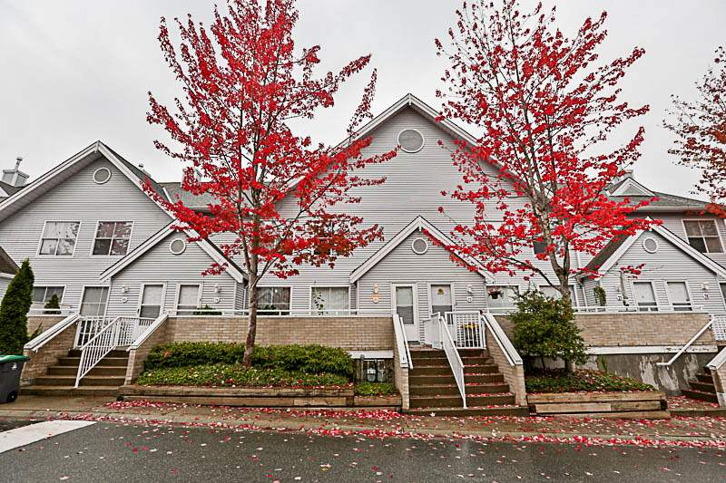 Main Photo: 71 13706 74 Avenue in Surrey: East Newton Townhouse for sale : MLS®# R2215305