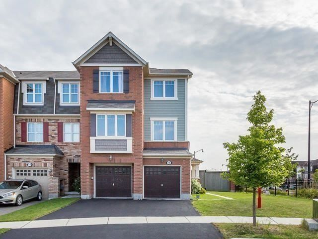 Main Photo: 16 Saunter Court in Brampton: Northwest Brampton House (3-Storey) for sale : MLS®# W4005646