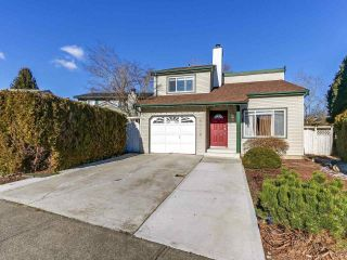 Main Photo: 6072 BROOKS Crescent in Surrey: Cloverdale BC House for sale (Cloverdale)  : MLS® # R2246596