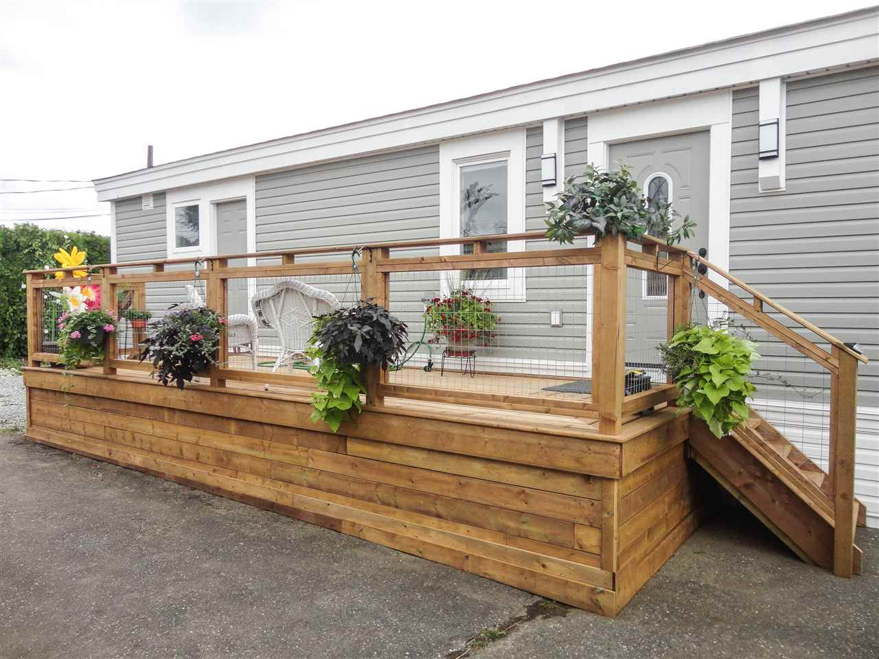 "Main Photo: C3 29666 FRASER Highway in Abbotsford: Aberdeen Manufactured Home for sale in ""Aloha Manufactured Homes & RV Park"" : MLS®# R2294491"