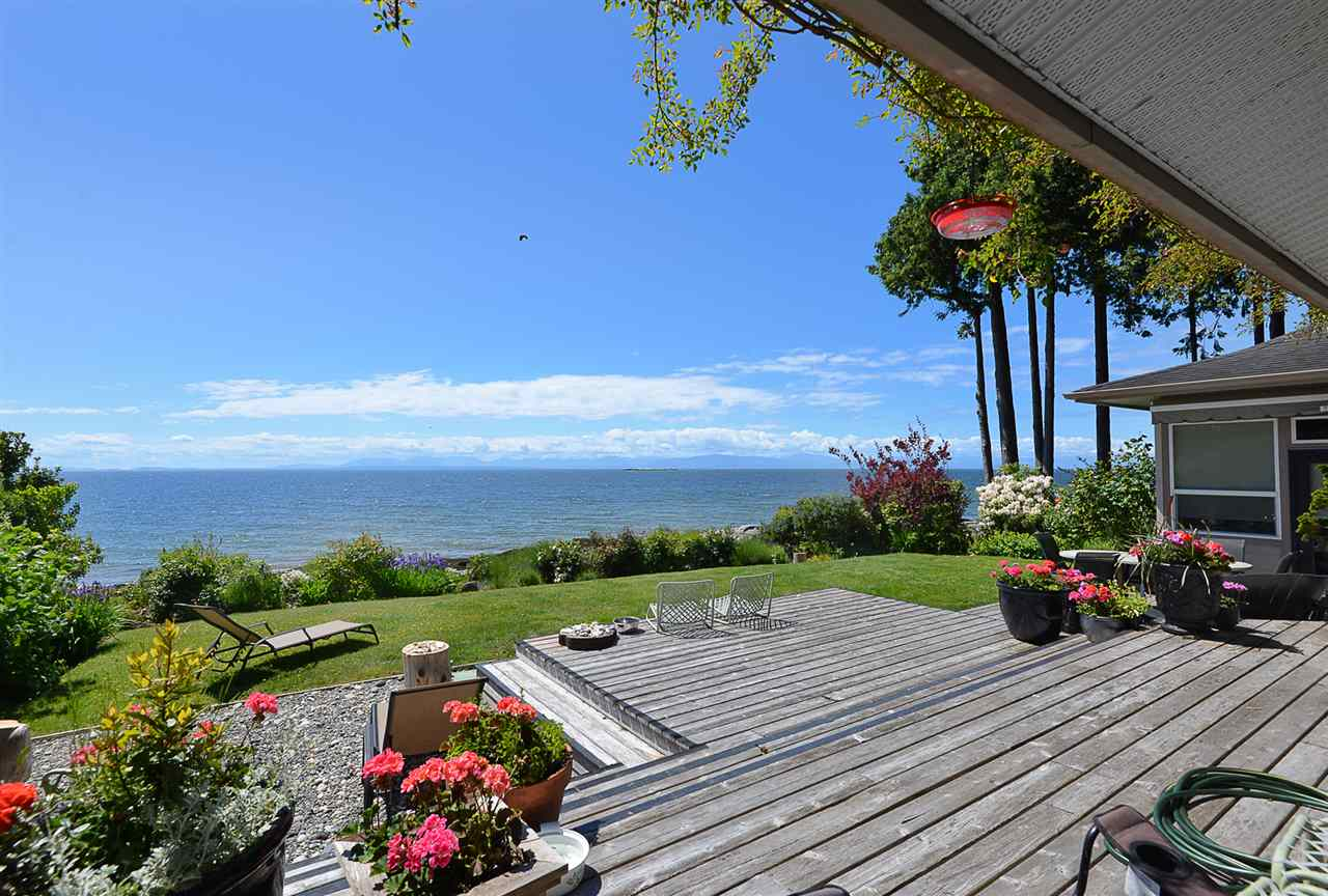 Main Photo: 4043 BROWNING Road in Sechelt: Sechelt District House for sale (Sunshine Coast)  : MLS®# R2311563