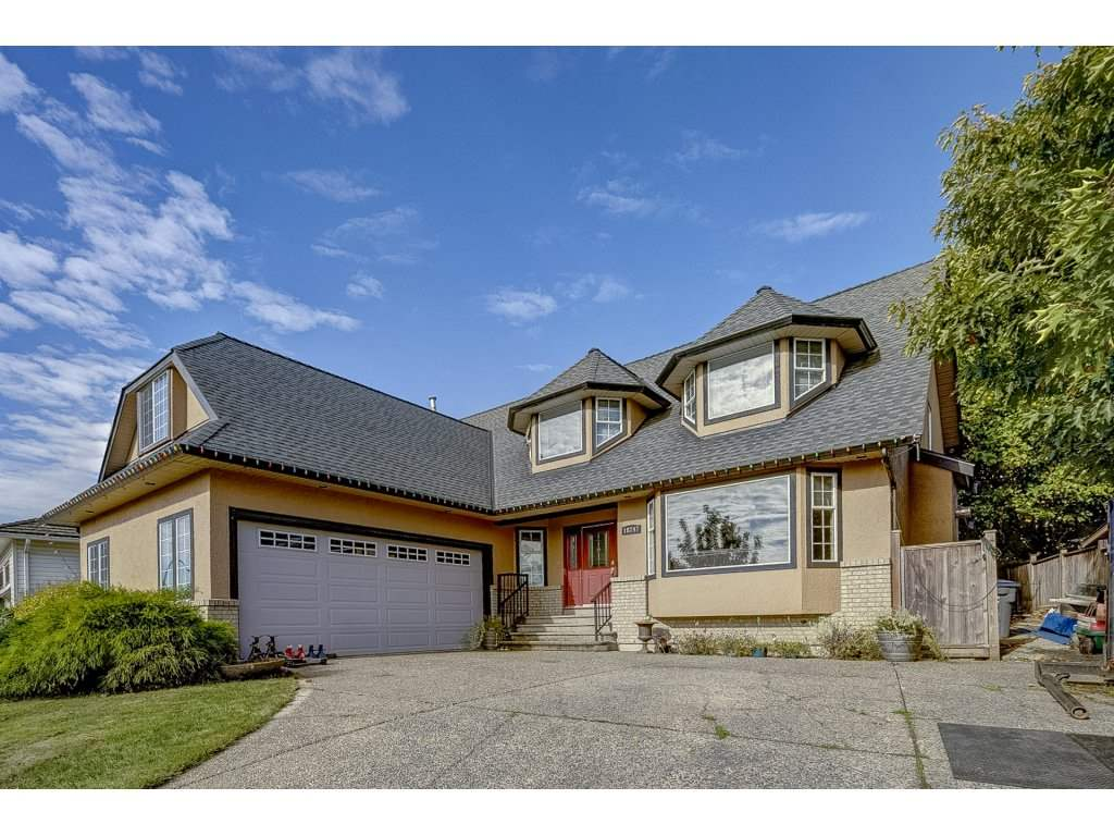 Main Photo: 18747 56A Avenue in Surrey: Cloverdale BC House for sale (Cloverdale)  : MLS®# R2313252