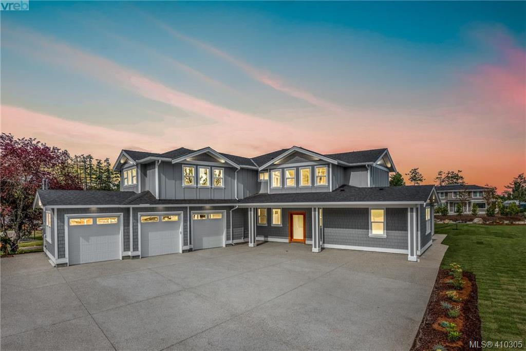 FEATURED LISTING: 10709 Mcdonald Park Road NORTH SAANICH