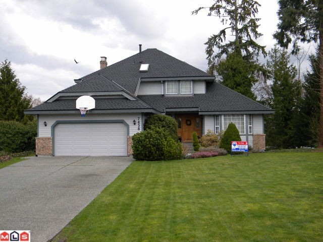 "Main Photo: 7438 150A Street in Surrey: East Newton House for sale in ""CHIMNEY HILLS"" : MLS(r) # F1107753"