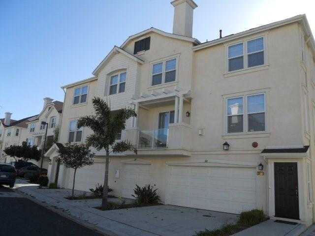Main Photo: OCEANSIDE Condo for sale : 2 bedrooms : 825 Harbor Cliff Way #264