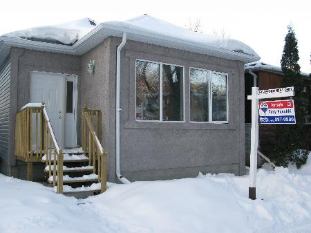 Main Photo: 585 WALKER AVE in WINNIPEG: Residential for sale (Fort Rouge)  : MLS(r) # 2902836