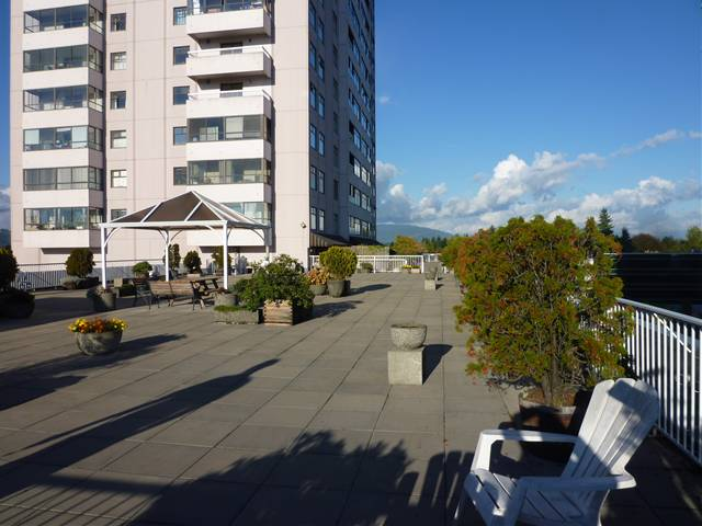 "Photo 11: 615 615 BELMONT Street in New Westminster: Uptown NW Condo for sale in ""BELMONT TOWER"" : MLS® # V1031603"