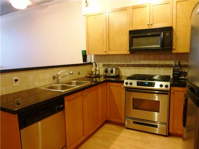 "Photo 3: 615 615 BELMONT Street in New Westminster: Uptown NW Condo for sale in ""BELMONT TOWER"" : MLS® # V1031603"