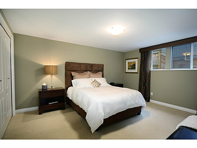 "Photo 15: 2557 LAWSON Avenue in West Vancouver: Dundarave House for sale in ""DUNDARAVE"" : MLS® # V1044897"