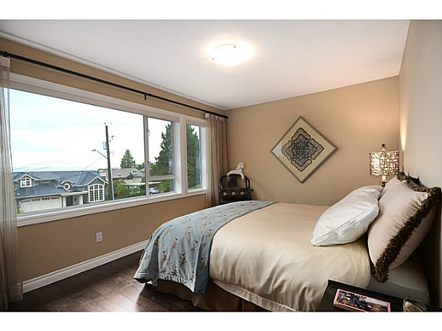 "Photo 16: 2557 LAWSON Avenue in West Vancouver: Dundarave House for sale in ""DUNDARAVE"" : MLS® # V1044897"