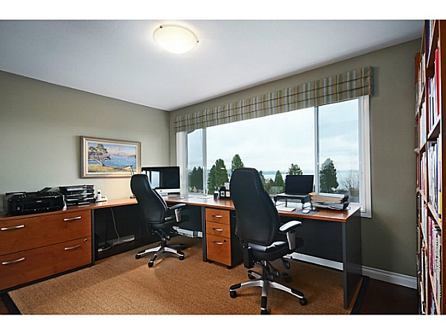 "Photo 17: 2557 LAWSON Avenue in West Vancouver: Dundarave House for sale in ""DUNDARAVE"" : MLS® # V1044897"