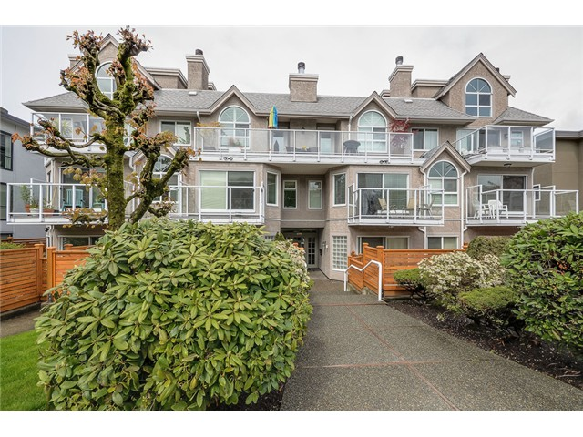 "Main Photo: 105 1265 W 11TH Avenue in Vancouver: Fairview VW Condo for sale in ""BENTLEY PLACE"" (Vancouver West)  : MLS®# V1060487"