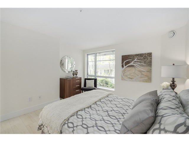 "Photo 9: 101 789 W 16TH Avenue in Vancouver: Fairview VW Condo for sale in ""Sixteen Willows"" (Vancouver West)  : MLS(r) # V1087603"
