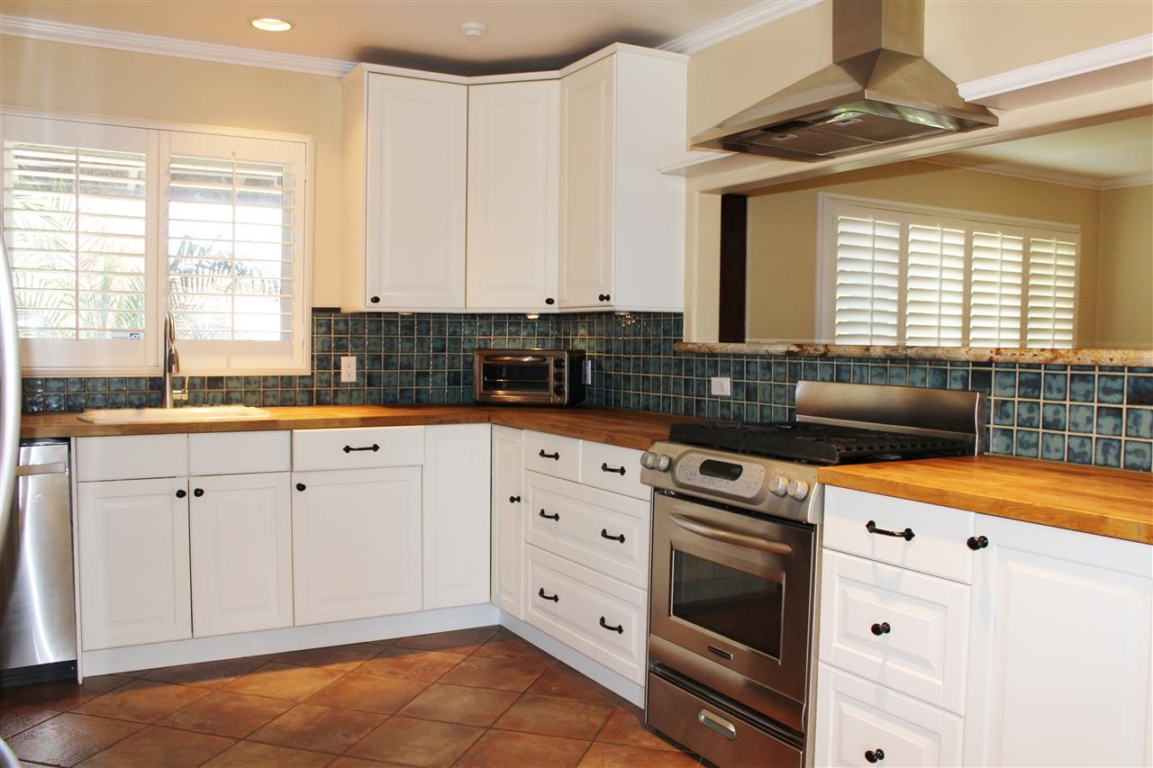 Photo 5: CLAIREMONT House for sale : 4 bedrooms : 5150 Cole in San Diego