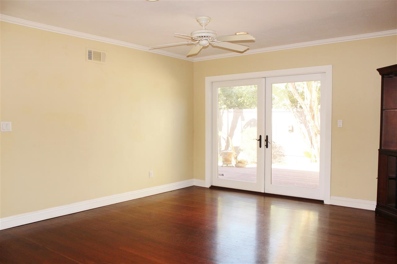 Photo 6: CLAIREMONT House for sale : 4 bedrooms : 5150 Cole in San Diego