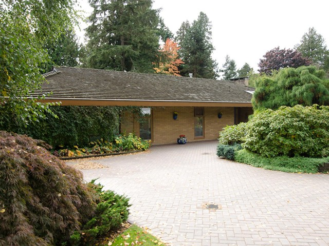 "Main Photo: 4764 WESLEY Drive in Tsawwassen: English Bluff House for sale in ""The Village"" : MLS(r) # V1093405"