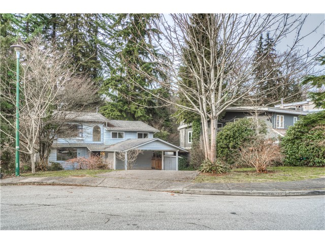 "Main Photo: 578 BOLE Court in Coquitlam: Coquitlam West House for sale in ""COQUITLAM WEST"" : MLS® # V1117882"