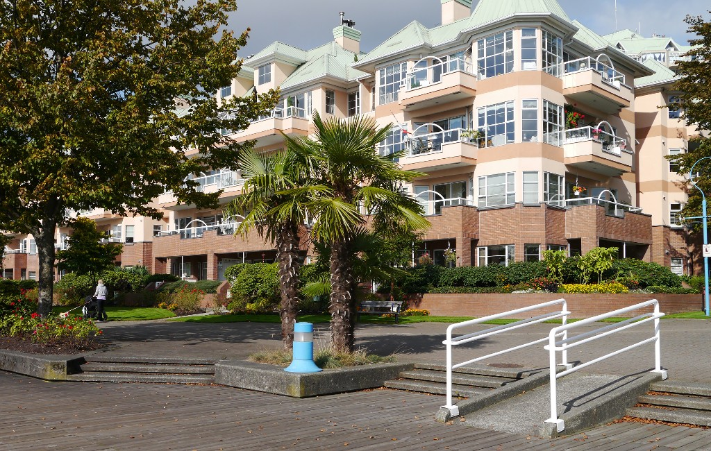 "Photo 22: 217 12 K DE K Court in New Westminster: Quay Condo for sale in ""DOCKSIDE - QUAY"" : MLS® # V1118016"