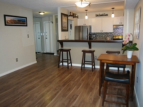 Photo 3: 107 1040 BROADWAY Other E in Vancouver East: Mount Pleasant VE Home for sale ()  : MLS® # V1042765