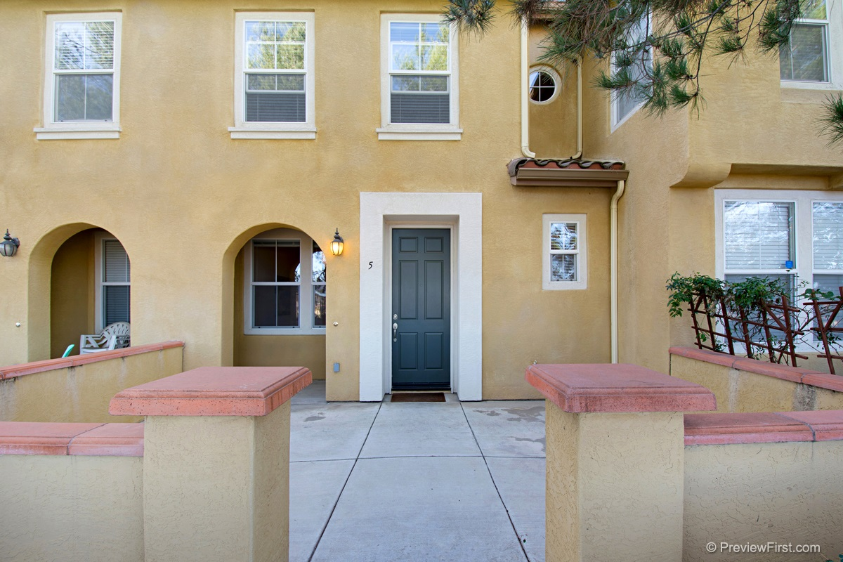 FEATURED LISTING: 5 - 7720 Via Rossi San Diego