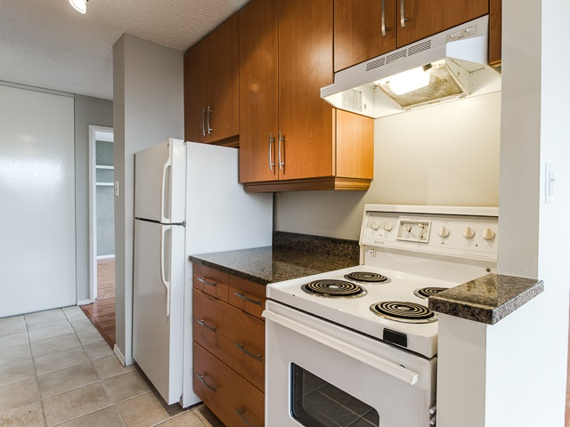 "Photo 4: 1805 1725 PENDRELL Street in Vancouver: West End VW Condo for sale in ""STRATFORD PLACE"" (Vancouver West)  : MLS(r) # R2030894"