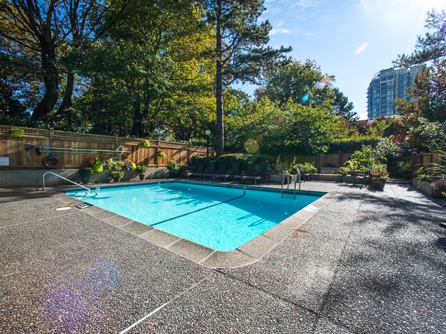 "Photo 17: 1805 1725 PENDRELL Street in Vancouver: West End VW Condo for sale in ""STRATFORD PLACE"" (Vancouver West)  : MLS(r) # R2030894"