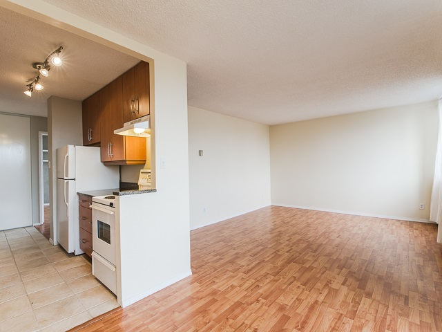 "Photo 8: 1805 1725 PENDRELL Street in Vancouver: West End VW Condo for sale in ""STRATFORD PLACE"" (Vancouver West)  : MLS(r) # R2030894"