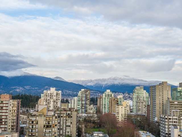 "Main Photo: 1805 1725 PENDRELL Street in Vancouver: West End VW Condo for sale in ""STRATFORD PLACE"" (Vancouver West)  : MLS® # R2030894"