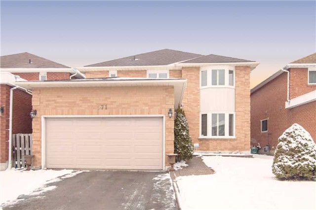 Main Photo: 571 Farwell Crest in Mississauga: Hurontario House (2-Storey) for sale : MLS® # W3412908