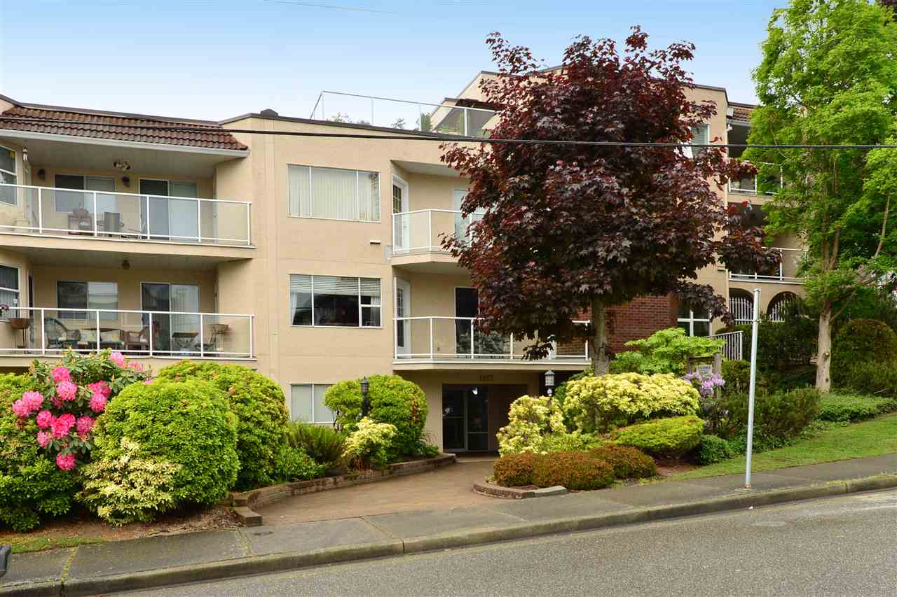 "Main Photo: 302 1273 MERKLIN Street: White Rock Condo for sale in ""CLIFTON LANE"" (South Surrey White Rock)  : MLS®# R2064744"