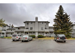 Main Photo: 23 200 SHAWNESSY Drive SW in Calgary: Shawnessy House for sale : MLS(r) # C4066918