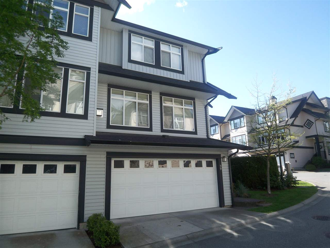 "Main Photo: 99 19932 70 Avenue in Langley: Willoughby Heights Townhouse for sale in ""Summerwood"" : MLS® # R2096509"