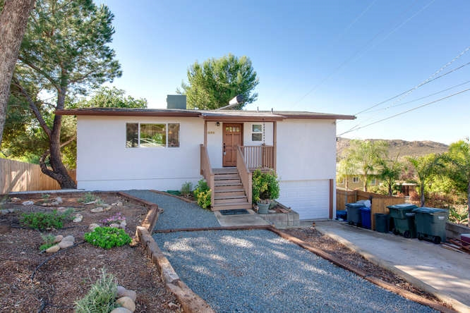 Main Photo: EL CAJON House for sale : 3 bedrooms : 275 Lilac Dr